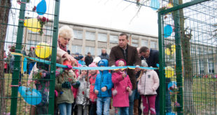 На Тернопіллі переможцям футбольних спартакіад  збудували сучасний спортмайданчик