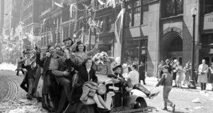 Відзначення Перемоги над нацизмом у 1945 році по всьому світу – архівні світлини